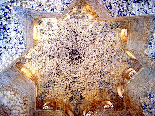 Die Alhambra: Geschichte Kunst Architektur (German Edition)