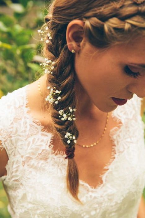 Delicate flowers in fishtail braids. Parker Young Photography #fishtailbraids #weddinghair