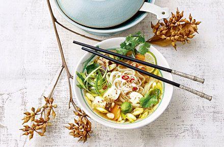 Vietnamesische Nudelsuppe Pho - Schrot und Korn - Das Kundenmagazin für den Naturkosthandel