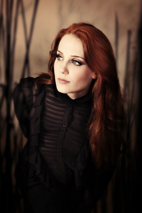 Simone Simmons (singer - Epica) totally rocks with an amazing voice.