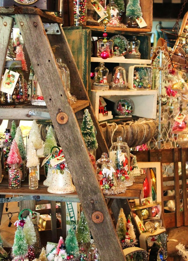 Awesome Stunning Christmas Decorations And Treasures In Monticello Antique  Marketplace 2013 Ideas