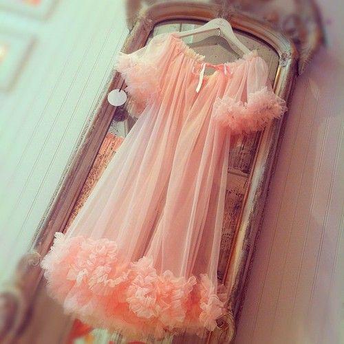 .Vintage Lingerie, Vintage Pink, Around The House, Mad Men, Dresses Robe, Froufrou, Dottie Delight, Luxury Lingerie, Frou Frou