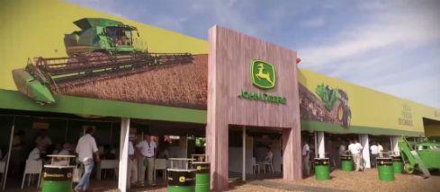 Diseño y construcción de Stand para Expoagro – JOHN DEREE – LAWDESIGN