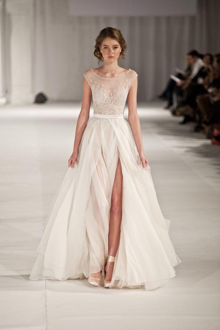 P. Sebastian свадебное платье в стиле бохо с разрезом для пляжа