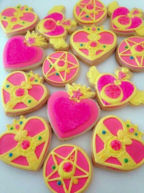 Sailor moon cookies?! Yes please!!!