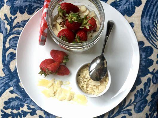 Almond Strawberry Overnight Oats   Kickchenista