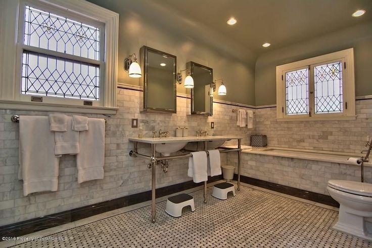 3292 beste afbeeldingen van rooms with baths badkamer for Victorian tudor suite