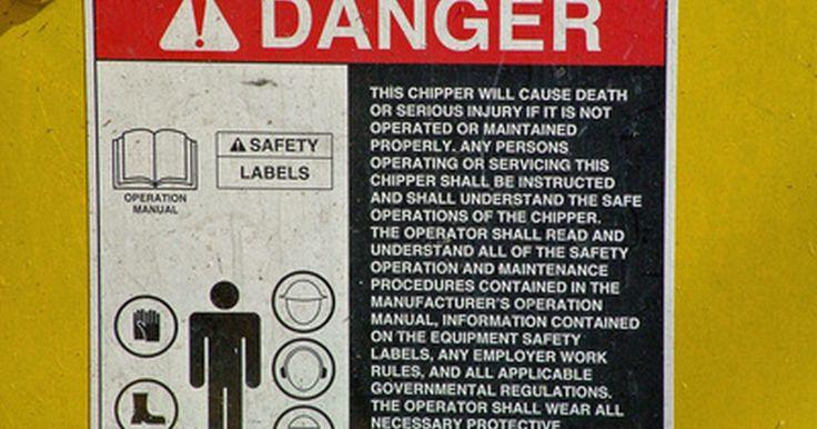 Definición de ingeniería de seguridad. La ingeniería de seguridad es el proceso de diseñar productos y estructuras más seguras. También puede implicar mejorar la seguridad en sitios laborales, instalaciones de fabricación y productos como cambio de normas de seguridad.
