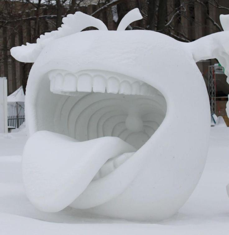 Carnaval de Québec monument snow winter carnaval