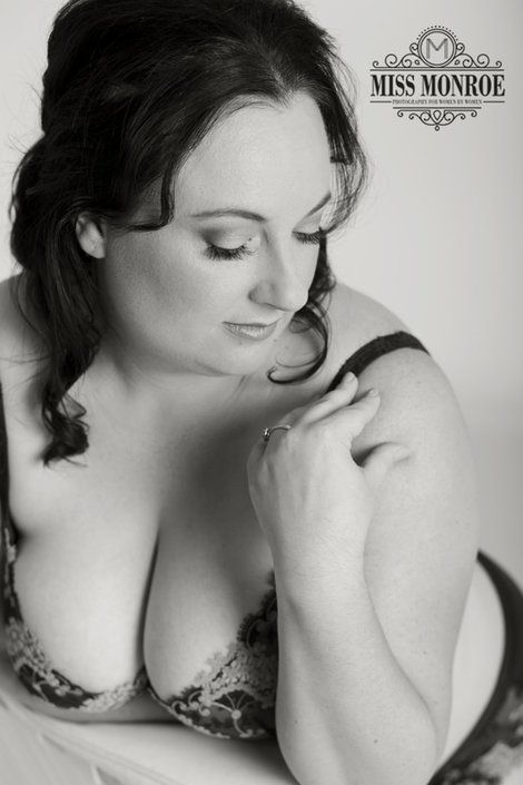 Newcastle boudoir photographer