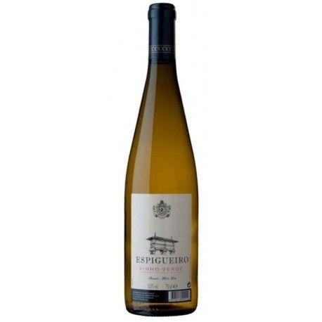 Espigueiro white wine from vinho verde region presents a good balance alcohol / acidity and with fruity notes of pomoideas and citrus fruits #vinhoverde#greenwine#winefromportugal#espigueiro#casadecompostela#