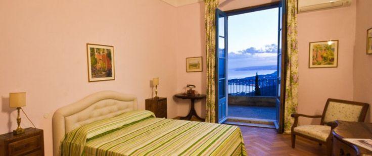 Casa Cuseni'de Greta Garbo isimli oda. #sicilya #italya #taormini #otel #room #hotel #seyahat  #gezi
