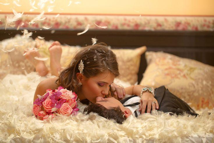 天使の羽が二人を祝福!フェザーシャワーの幻想的な演出を盛り込んで結婚式をロマンチックにしちゃおう