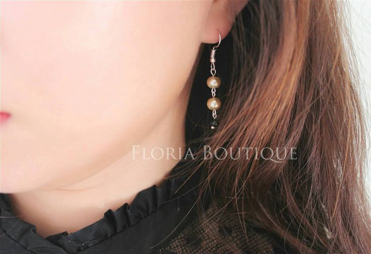 Chic champagne black drop earrings by FloriaBoutique on Etsy