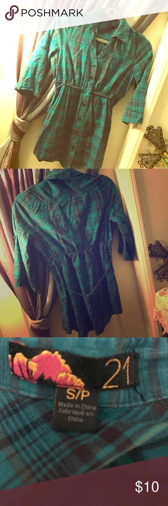 💙Cute Flannel Tunic 💚 Super cute and hardly worn! Cinched waist with an added tie around the back for added tightness! Perfect condition! Forever 21 Tops Tunics