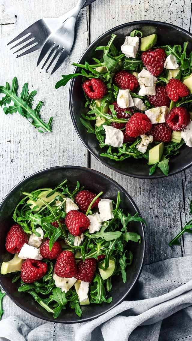 Salad with Goat Cheese, Avocado, and Raspberries