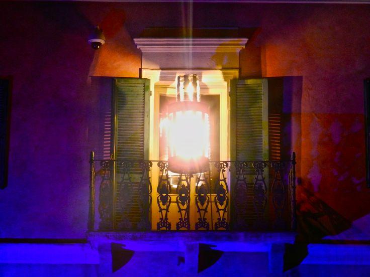 Scenografia: lanterna rotante costruita con materiali di riciclo.  Palau Festival Lanterne