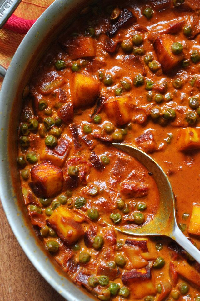 Fried paneer cubes and peas are paired with a richly spiced, creamy tomato sauce in this vegetarian paneer tikka masala.