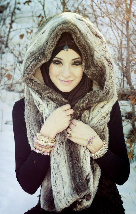 So pretty! I love her tikka.