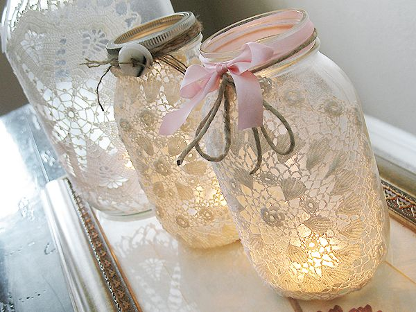 Doilies and Mason Jars.... lovelyJar Crafts, Lace Mason Jars, Vintage Lace, Candles Holders, Mason Jars Crafts, Jars Lights, Mason Jars Candles, Mason Jar Projects, Mason Jars Projects