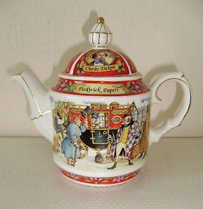 sadler pottery charles dickins pickwick papers tea pot superb quality item