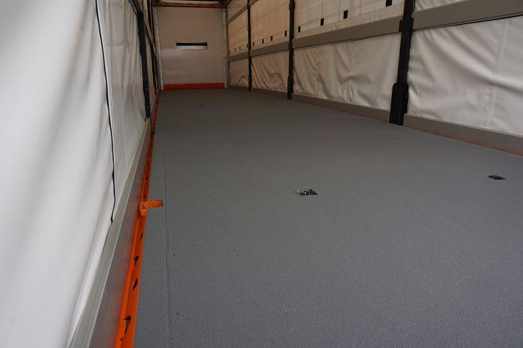 Direkte Komplettbeschichtung LKW-Aufliegerboden mit KCN-01 Antirutschboden.