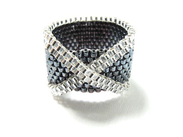 bague anneau avec noeud/croix en gris et blanc : Bague par brin-de-perle