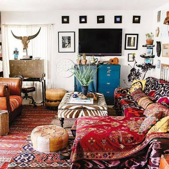 Lots of colours and textures in this cheery, happy sitting room!