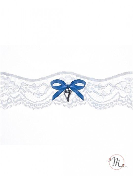 Giarrettiera fiocco blu e ciondolo cuore. Delicata ed elegante. Quel tocco di blu che non deve mancare. Misura: unica. In #promozione #matrimonio #weddingday #ricevimento #wedding #sconti #giarrettiera #giarrettiere #sconto #nozze