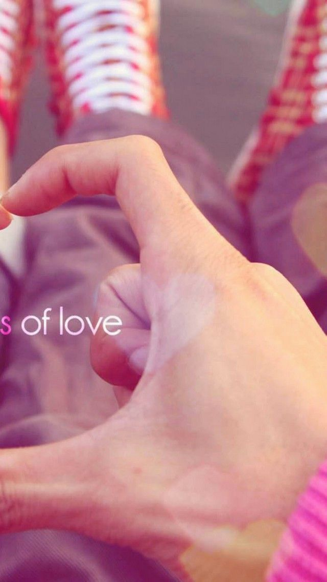Hand of Love 640 x 1136 Wallpapers disponible en téléchargement gratuit.