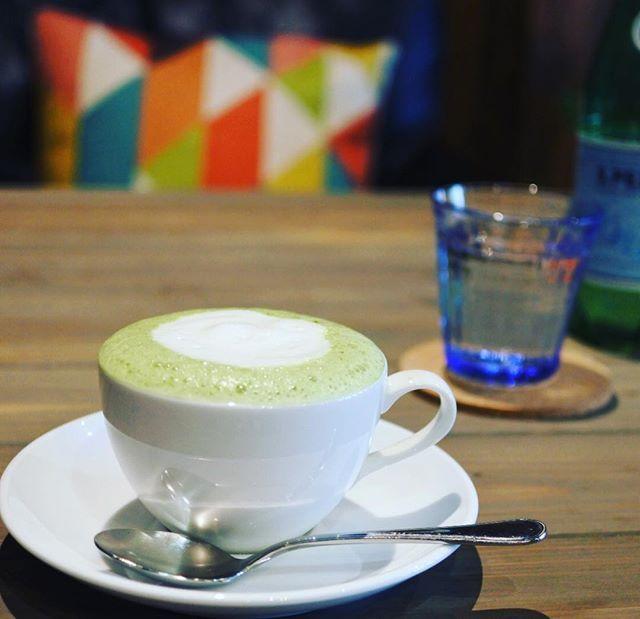 今日はこんなお天気ですから温かい抹茶ラテを飲みながらのんびり過ごすのはいかがですか?😊$$cafe ダラダラカフェ☕️本日もゆったりと営業しております。お急ぎの方、時間無い方はご遠慮願います。時間に余裕がある時に是非ダラダラとゆっくりしていって下さい😊皆様のお越しを心よりお待ちしております。 #高崎カフェ #カフェ巡り #高崎 #ランチ #高崎ランチ #おしゃれランチ #ママ友ランチ #ママ会 #アットホーム女子会 #のんびりカフェ #隠れ家的カフェ #ダラダラカフェ #カフェバー #カクテル #お一人様歓迎 #女子会 #夜カフェ #バイカーズカフェ #ライダースカフェ #ベスパ #ニューヨーク #ニューヨークメッツ #vespa #newyork #iloveny #newyorkmets