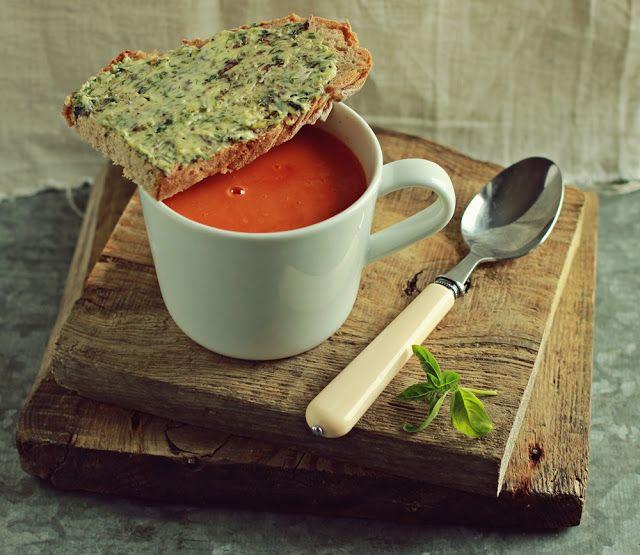 Zielenina: Krem z pomidorów pieczonych z czosnkiem - po prostu boski! :-)
