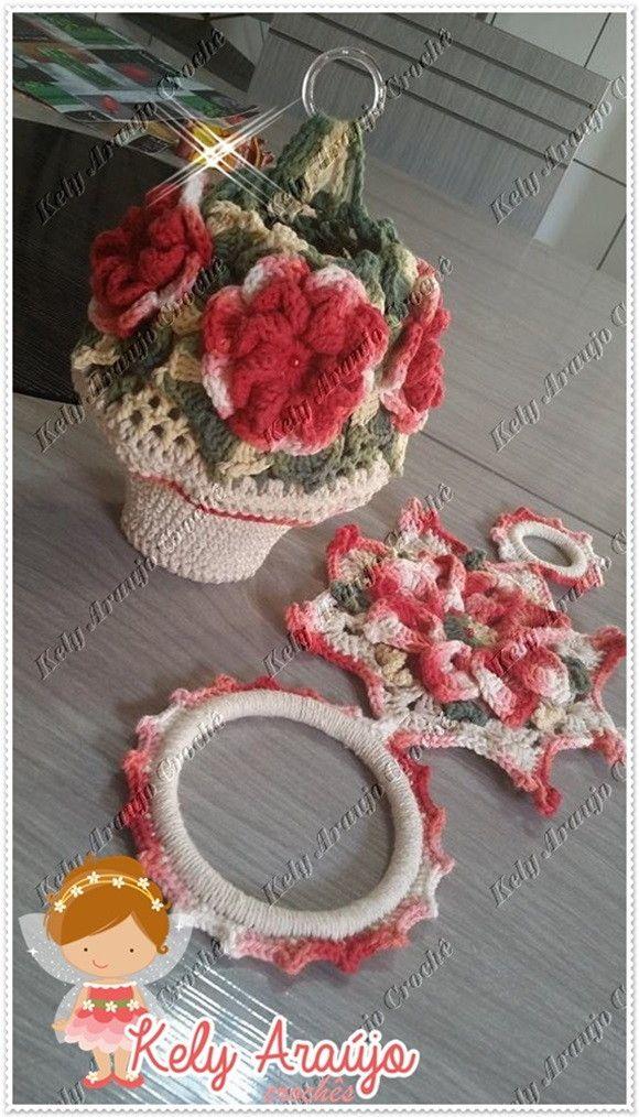 Puxa saco em crochê,e porta pano de prato, modelo vasinho de flores.. <br>o puxa saco tem uma argolinha pra vc poder pendurar na parede... <br>pode ser feito na cor que vc escolher!
