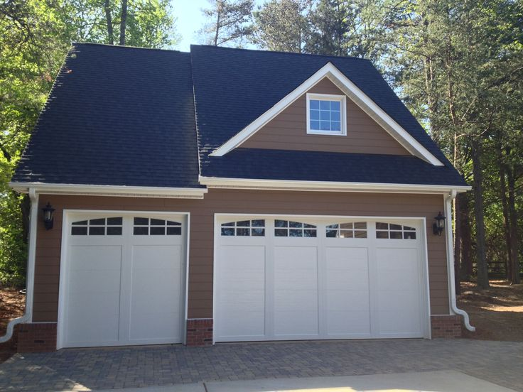 Best 25 3 car garage ideas on pinterest for Three car detached garage plans