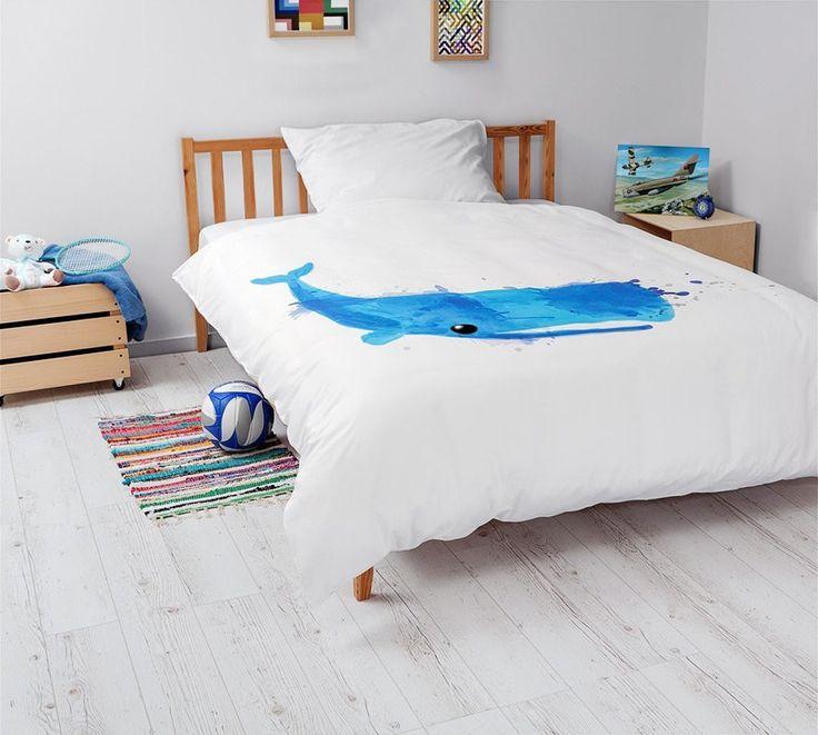 Komplet pościeli z wielorybem dla małych miłośników morskich przygód. Pościel wykonana z 100% wysokogatunkowej bawełny o satynowym splocie.