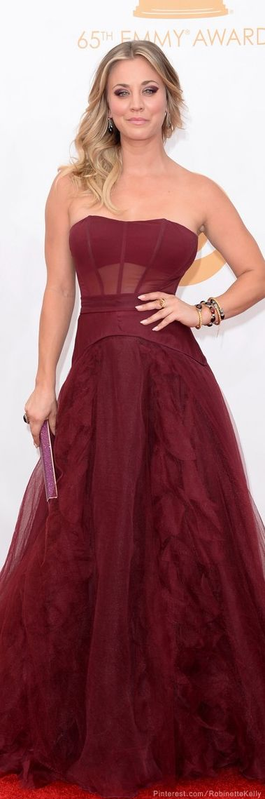 Kaley Cuoco | Vera Wang, Emmys 2014♥✤ | KeepSmiling | BeStayBeautiful