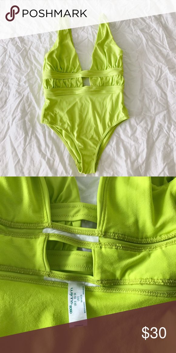 Asos Petite Gathered Plunge Swimsuit High cut bottom. Plunge neckline. US 2, UK 6 but trust me this thing fits small! Fits a 00P ASOS Petite Swim One Pieces