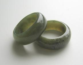 Wide+Greenstone+Ring http://www.shopenzed.com/wide-greenstone-ring-xidp207215.html