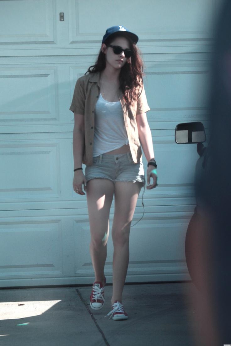 Kristen stewart shorts upskirt panty bikini swimsuit legs
