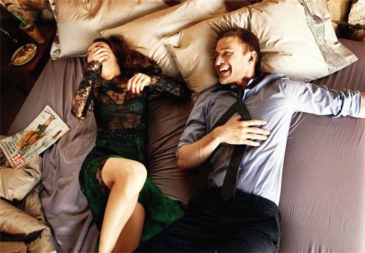 #поцелуй #фильм #порно   - Почему не снимают фильмы о том, что бывает после поцелуя?  - Снимают. Это порнуха.   © Секс по дружбе