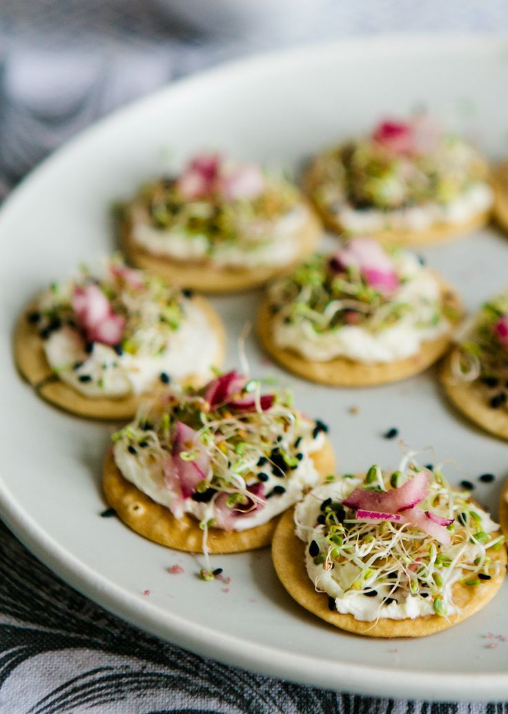 Tea cup tea mascarpone sprout canapes with coconut for Canape with ingredients