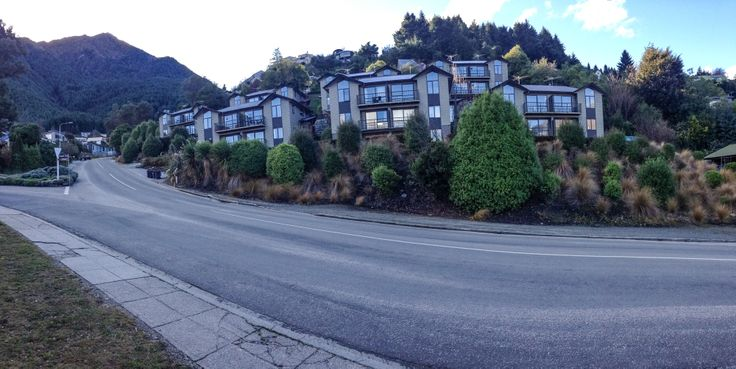 Suburban Road - Queenstown - Fernhill Road, Sweeping Corner infront of new appartments