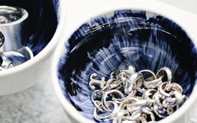 DIY-Anleitung: Schmuckschale mit Porzellanfarbe gestalten via DaWanda.com