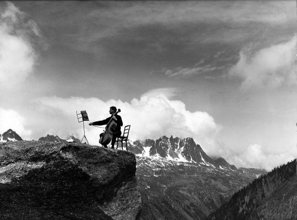 Robert Doisneau et Maurice Baquet. Musique de Chambre (1957) Dans le métro (1958) Le violoncelle sous la pluie (1957)