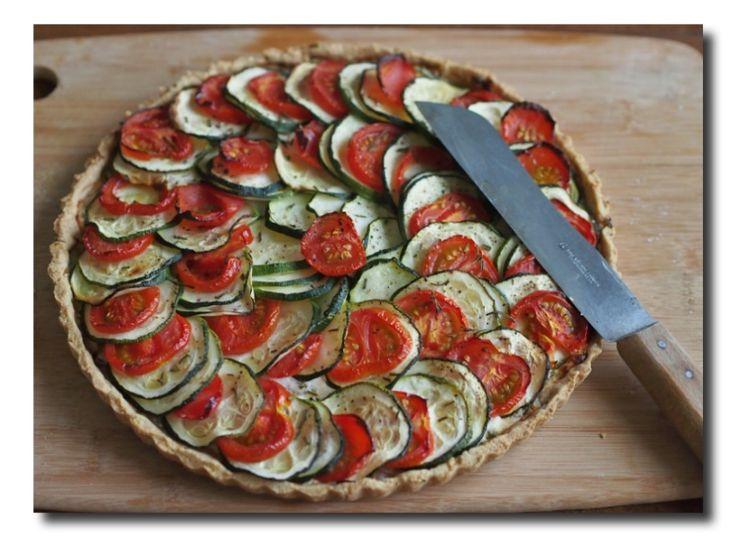 Tarte mit Zucchini, Tomaten und Ziegenkäse