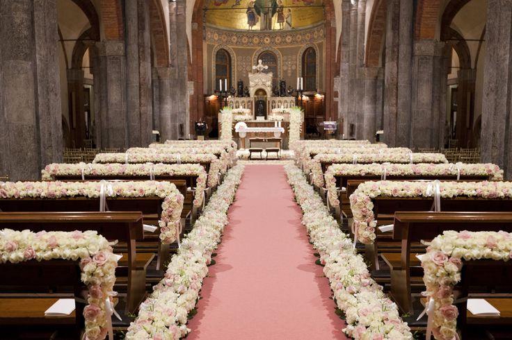 Full Pink roses aisle