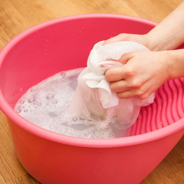 Die Vorwäsche Ihrer Waschmaschine lohnt sich nur bei stark verschmutzten Teilen wie Arbeitskleidung oder Sporttrikots. Sparsamer geht es, wenn  ...