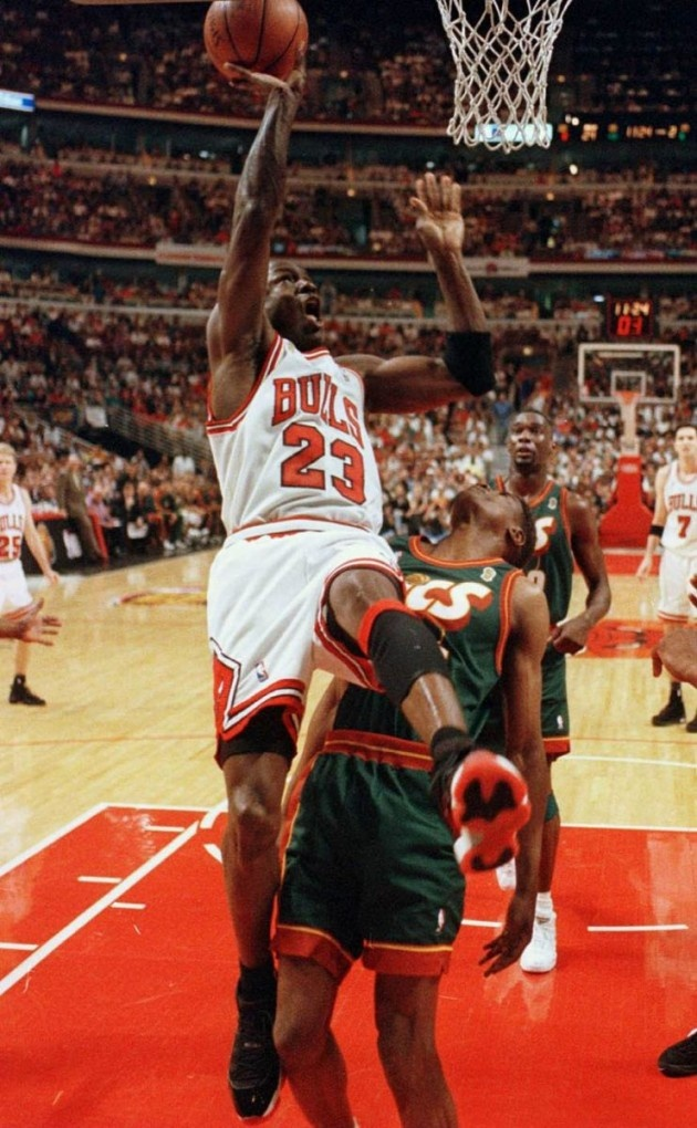 """1996 Air Jordan 11 ""Playoffs"" "" Michael Air Jordan"