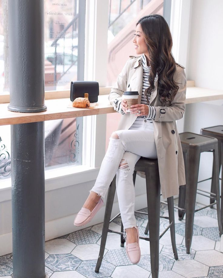 "11 mil curtidas, 121 comentários - Jean Wang | Extra Petite Blog (@extrapetite) no Instagram: ""On the blog today: trench, stripes + the comfiest loafers! Loving all the spring colors these come…"""
