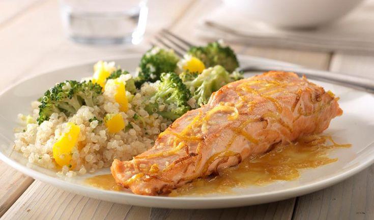 Gebakken citroen-gemberzalm met quinoa en broccoli